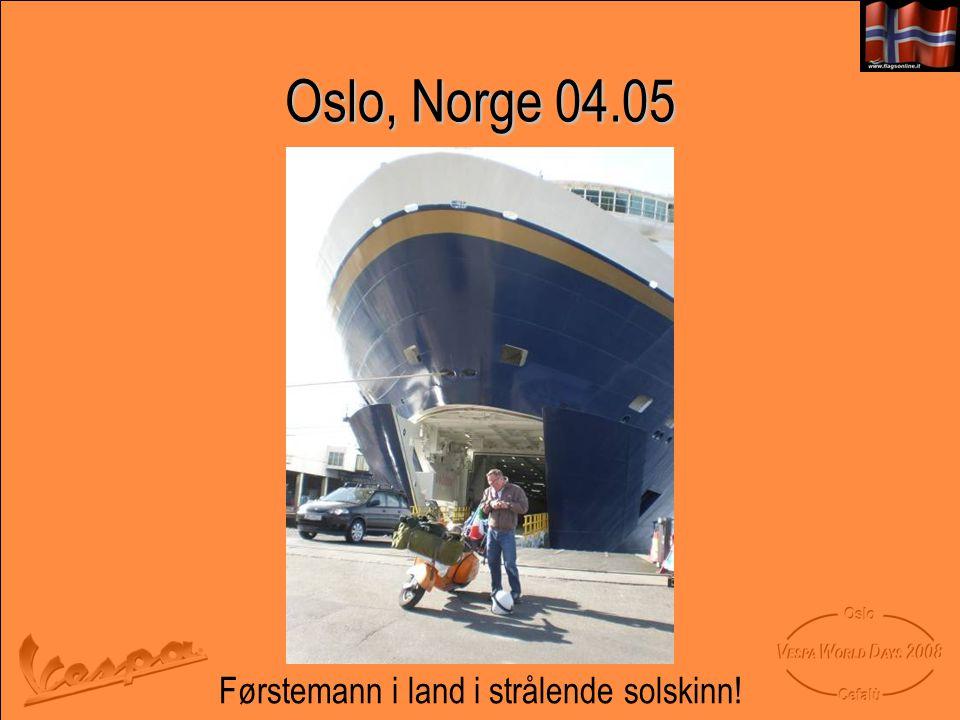 Oslo, Norge 04.05 Førstemann i land i strålende solskinn!