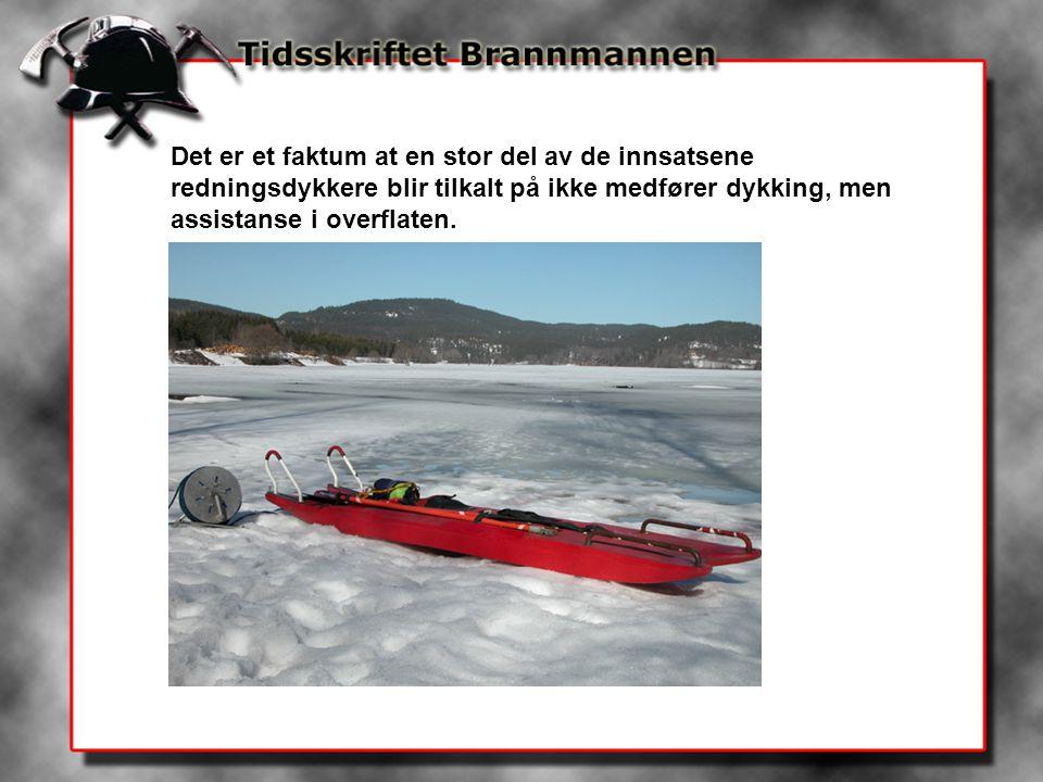 De fleste tilfeller av overflateredning vil inntreffe om vinteren hvor det mest typiske er isfiskeren, skiløperen eller skøyteløperen som går gjennom isen ved elvemunninger.