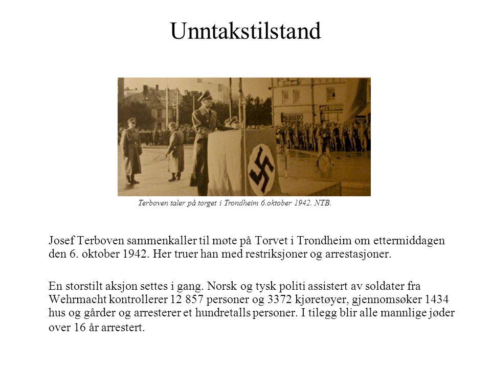 Unntakstilstand Josef Terboven sammenkaller til møte på Torvet i Trondheim om ettermiddagen den 6. oktober 1942. Her truer han med restriksjoner og ar
