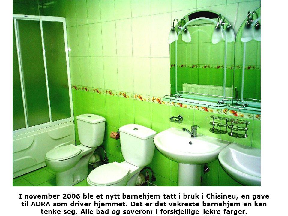 I november 2006 ble et nytt barnehjem tatt i bruk i Chisineu, en gave til ADRA som driver hjemmet. Det er det vakreste barnehjem en kan tenke seg. All