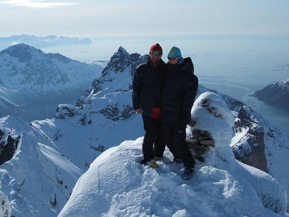 For 6 dager med opplevelse av et gigantisk spekter av varierte fjell og seilingsområder foreslår vi ski&sail 07 versjon: II.