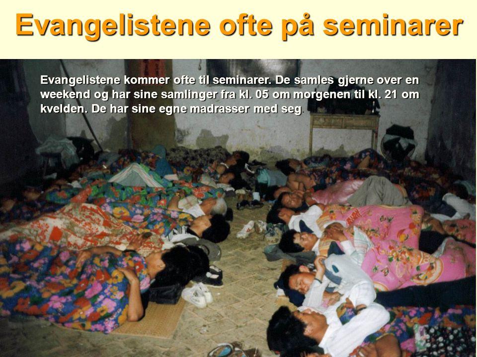 Evangelistene ofte på seminarer Evangelistene kommer ofte til seminarer.
