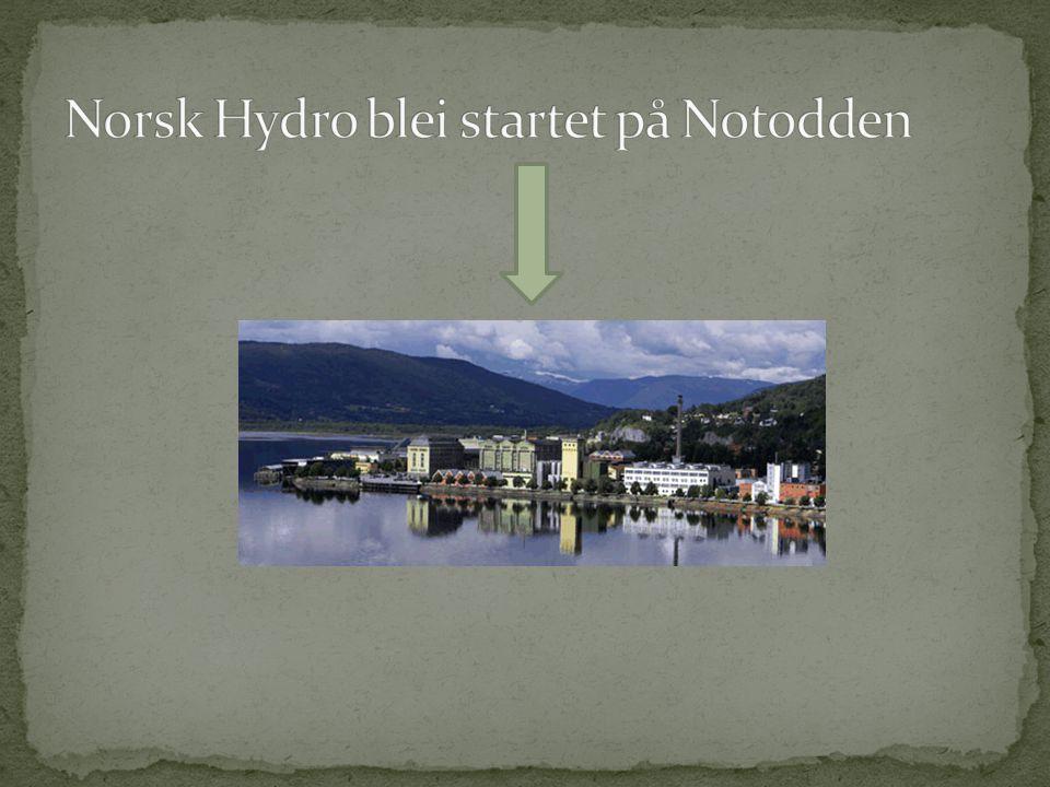 Notodden ligger ved Heddalsvatnet, en stor elv renner også gjennom byen.