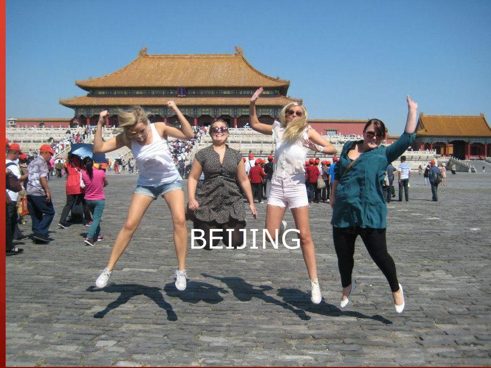 KINA  Stort og folksomt sted. Bare i Beijing bor nesten 20 millioner.
