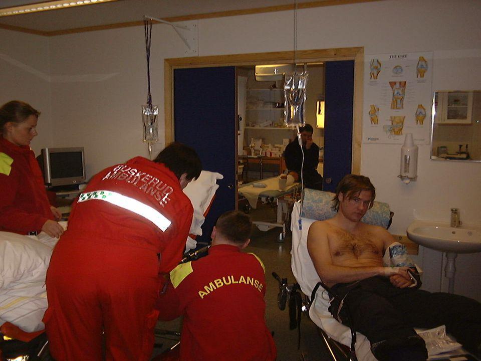 AKUTTMEDISIN GEILO 2011 HODESKADER 3:SUBDURALE HEMATOMER AKUTTE- TIMER- MEGET ALVORLIG, STOR DØDLIGH SUBAKUTTEDAGER.