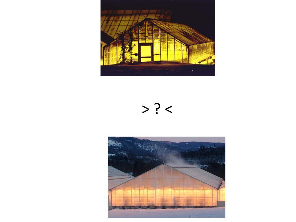Vanndampen eller vannmengden som må ut av huset er tilnærmet lik for de to hustypene