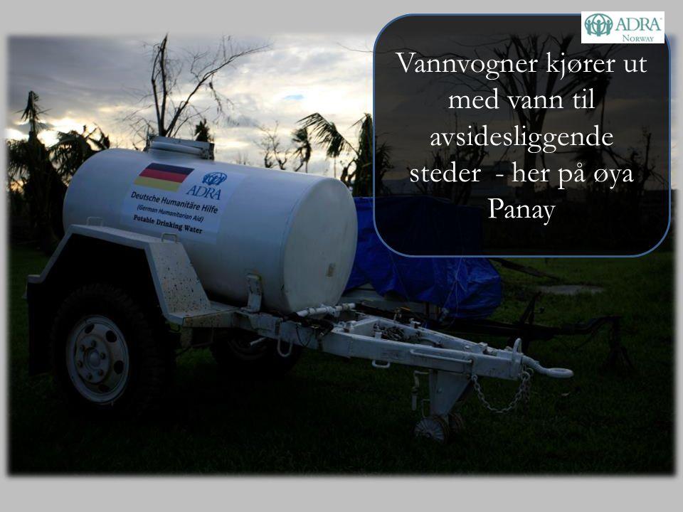 Vannvogner kjører ut med vann til avsidesliggende steder - her på øya Panay