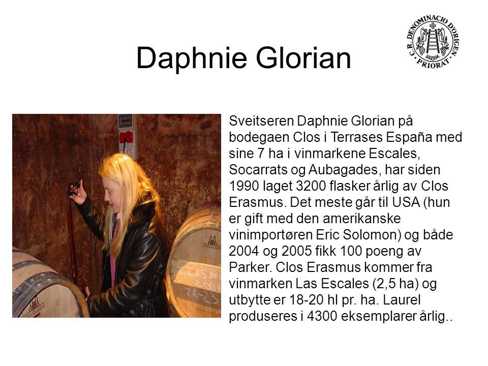 Sveitseren Daphnie Glorian på bodegaen Clos i Terrases España med sine 7 ha i vinmarkene Escales, Socarrats og Aubagades, har siden 1990 laget 3200 fl