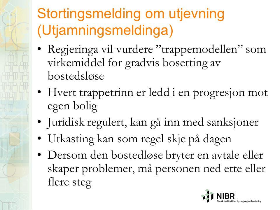 Housing first i Norge •Politisk aksept for at bostedsløse trenger permanente boliger – ingen hensikt å gå i trapper •Normalisering – ikke forandre personen, men gi hjelp og støtte etter behov •Mange ulike boliger og tilbud