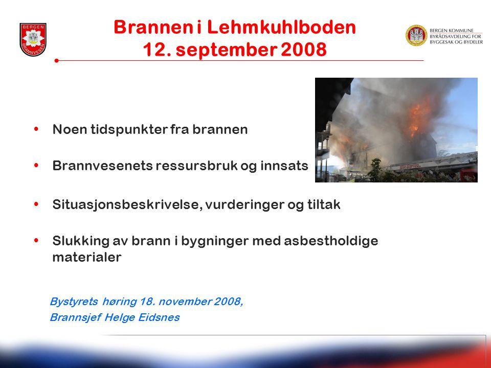 •Noen tidspunkter fra brannen •Brannvesenets ressursbruk og innsats •Situasjonsbeskrivelse, vurderinger og tiltak •Slukking av brann i bygninger med a