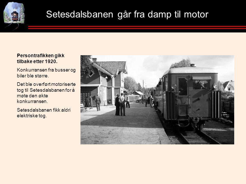 Setesdalsbanen går fra damp til motor Persontrafikken gikk tilbake etter 1920.