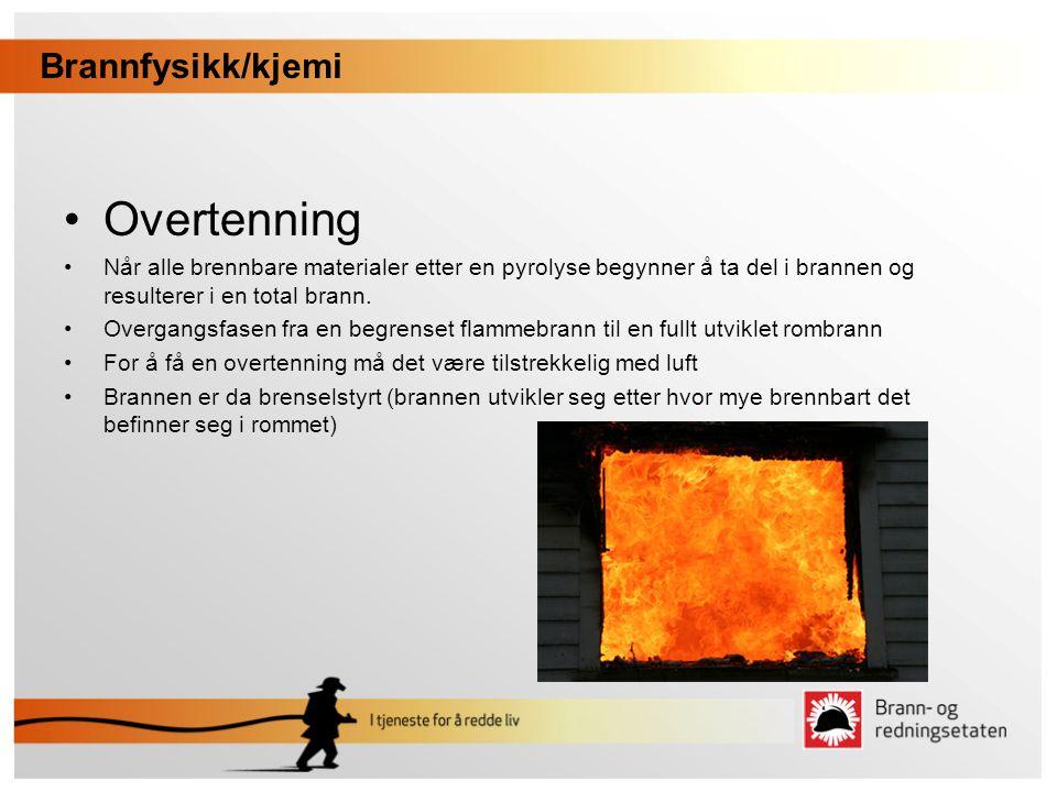 •Glødebrann / Ulmebrann •Den mest vanlige brannen i norske hjem •Den største faren ved ulmebrann er de giftige gassene som dannes •Blir ikke oppdaget av ioniske røykvarslere Brannfysikk/kjemi •Selvantenning •Dersom et stoff eller materiale begynner å brenne uten varmetilførsel •Linolje, fiskemel, fuktig høy osv.