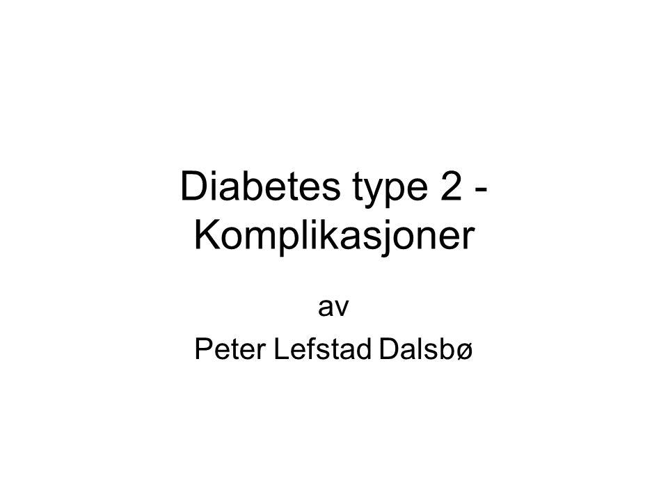 •Grundig anamnese om symptomgivende: –iskemisk hjertesykdom –perifer karsykdom –perifer nevropati –erektil dysfunksjon •Kartlegge risikofaktorer for senkomplkasjoner: –kartlegge røykevaner –blodtrykk/hypertensjon –S-lipider (totalkolesterol, HDL-, LDL-kolesterol, fastende triglyserider) –S-kreatinin, beregnet GFR ved S-kreatinin over øvre referansegrense –metabolsk kontroll (Hb A1c og vurdering av egenmålinger) –undersøkelse av urin med tanke på mikroalbuminuri/albuminuri –EKG hos pasienter med tilleggsrisiko for hjerte- og karsykdom –S-TSH hvert 2.