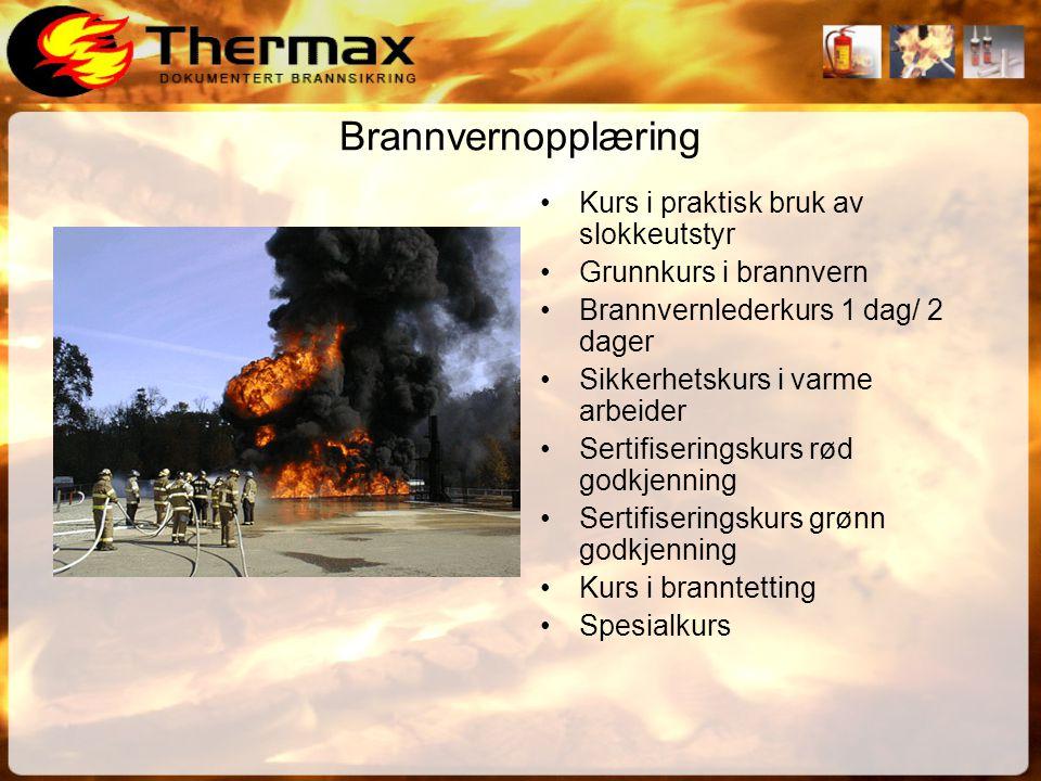 Brannøvelser Eksempler på øvelsesmomenter •Kjentmannsrunde m/ risikovurdering •Evakuering med og uten røyk •Evakuering av personell som trenger bistand •Praktisk bruk av slokkeutstyr •Bruke markører •Kombinere brann / førstehjelp •Simulere brann/ eksplosjoner