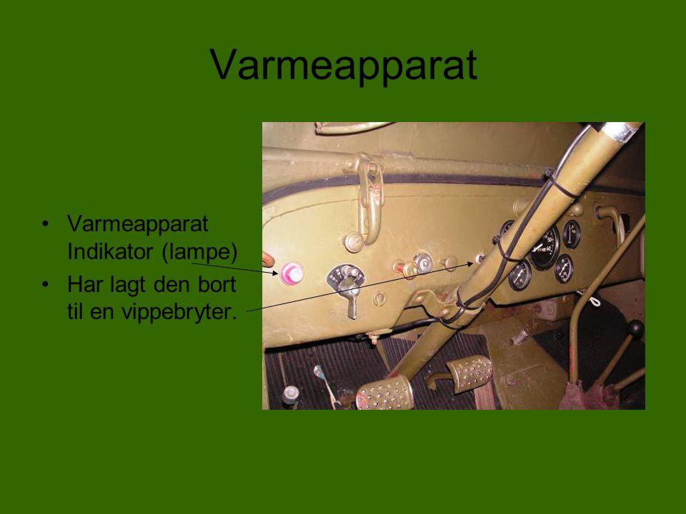 Dashbord •Her kan en se våpenholderen som er laget til Garand som er et halvautomatisk våpen som tok åtte skudd og laget en forrædersk lyd når det var tomt, og klipset spratt ut.