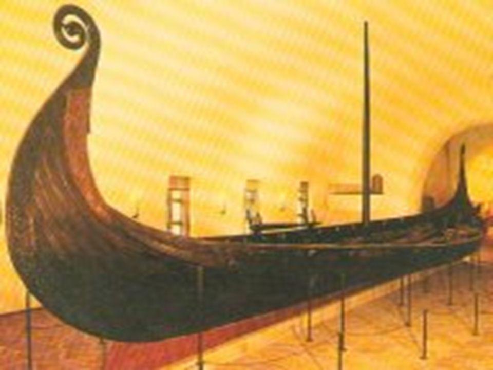 Gokstadskipet •Funnsted gården Gokstad i Sandefjord •Skipet er bygget i 890-årene. •Lengde 23,8 m, bredde 5,2 m •16 årepar •mastehøyde ca 10 m •vekt 2