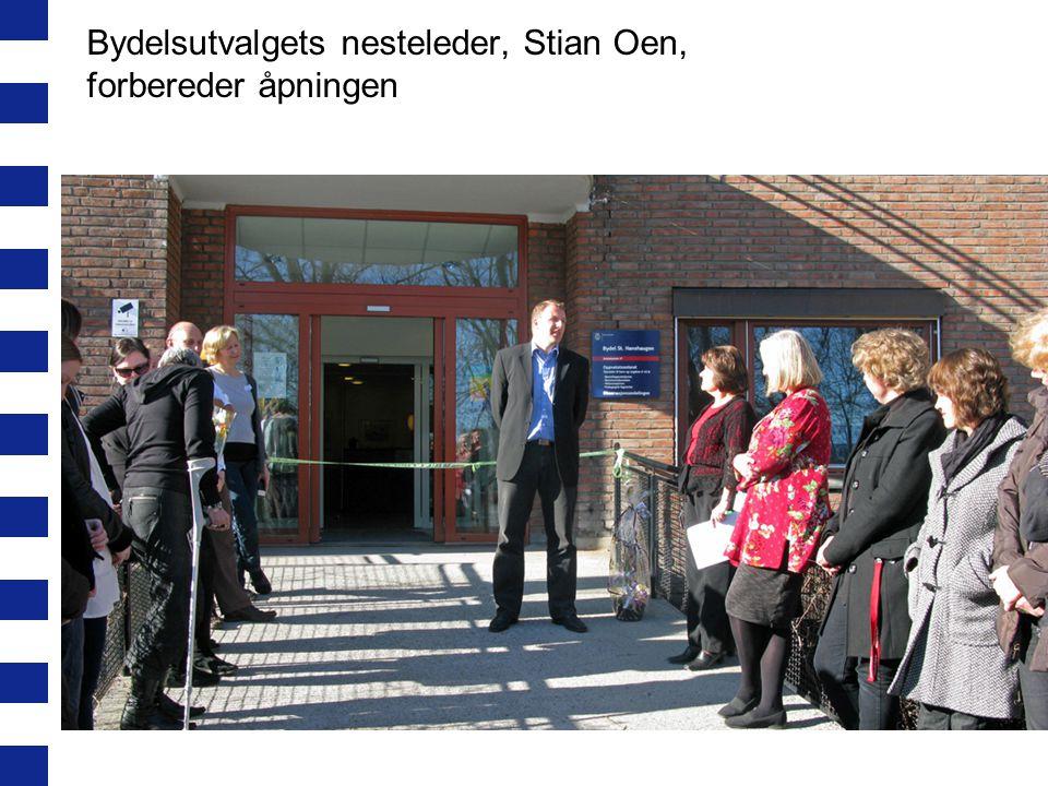 Bydelsutvalgets nesteleder, Stian Oen, forbereder åpningen