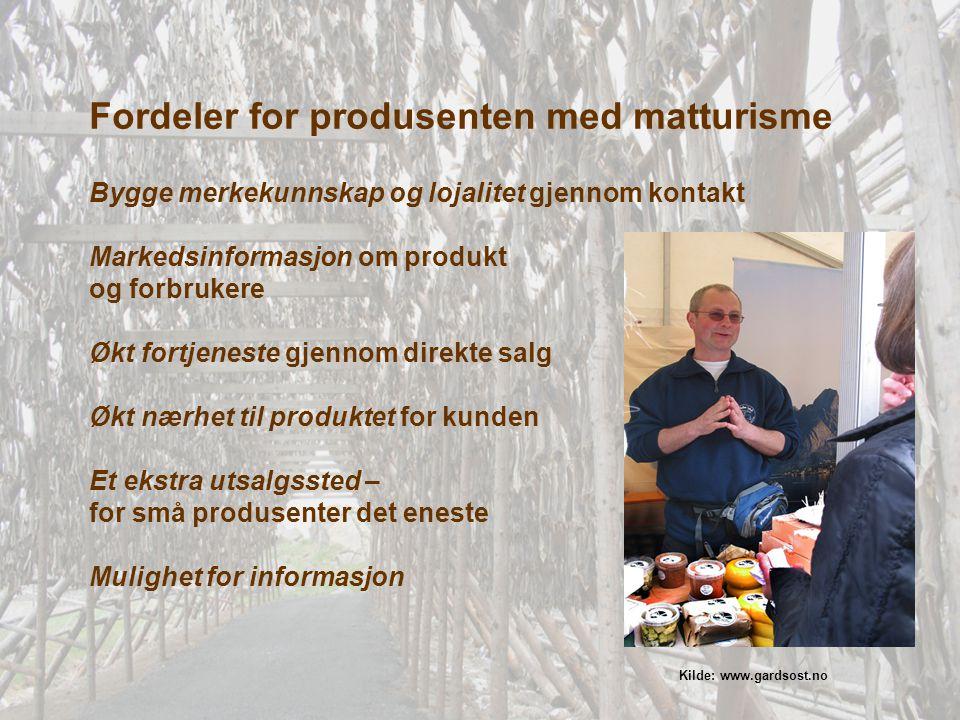 Turismen påvirker både matproduksjon og konsumet av ulike mattradisjoner Interesse for mat og mattradisjoner er en viktig del av dagens livsstil og vaner Mat kan lett assosieres med stedsidentitet, knyttes til markedsføring av destinasjoner Servicebildet som produktet presenteres i er en del av produktet