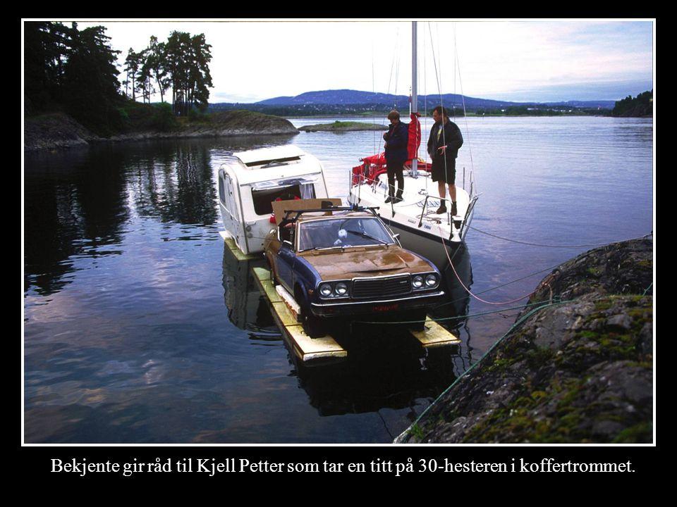 Vi sjøsatte på holmen i Asker.Første bensinfylling var på marinaen på Snarøya.