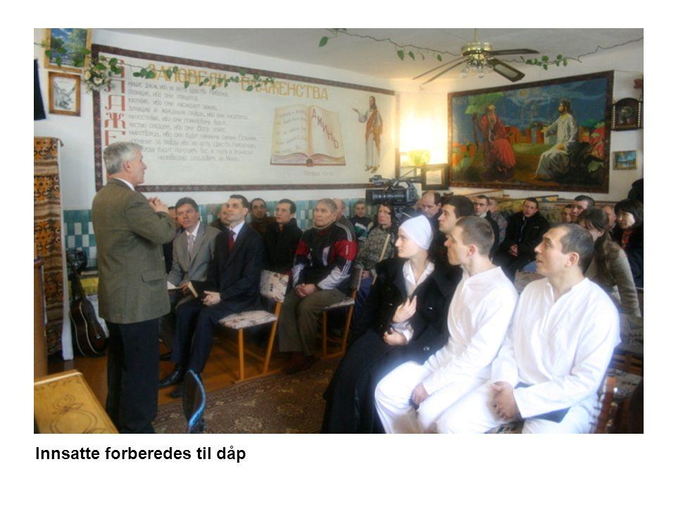Innsatte forberedes til dåp