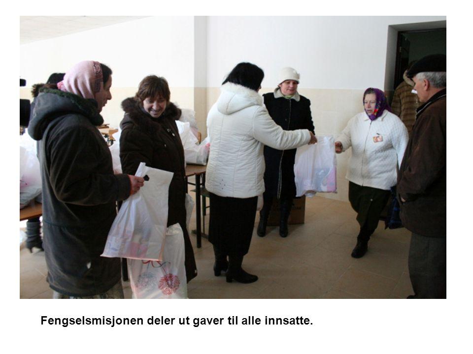 Fengselsmisjonen deler ut gaver til alle innsatte.