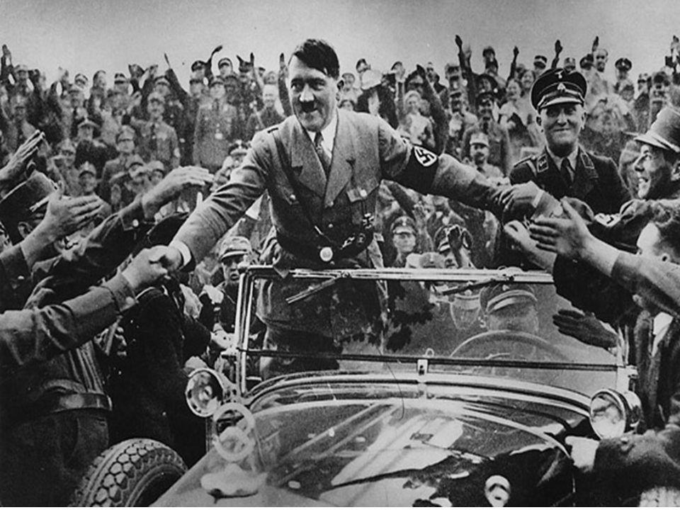  Mange tyskere var fornøyd med den nye militærmakten  Hitler sørget for bedring av veinettet  De økonomiske forholdene ble bedre fordi prosjektene