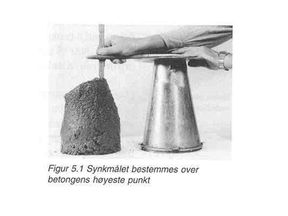 Konsistens og støpbarhet Mål på hvordan den ferske betongen lar seg bearbeide under støpingen. Formbarhet/mobilitet –Evne til å fylle ut støpeformen o