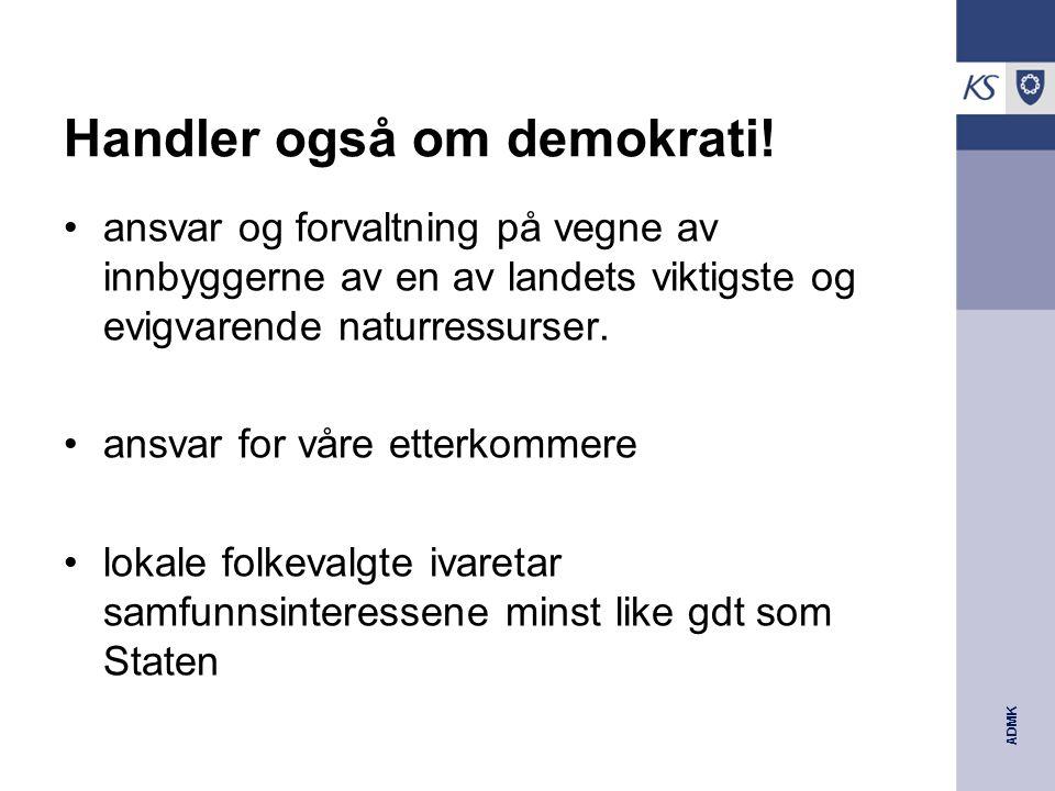 ADMK Handler også om demokrati.