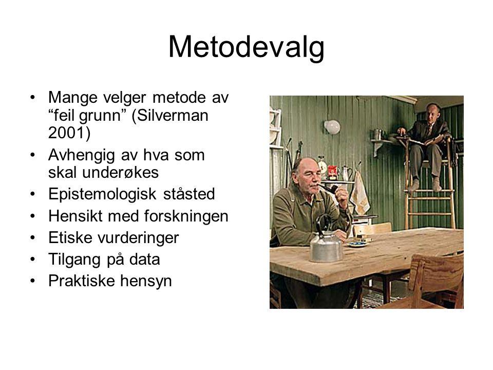 Språk som handling Wittgenstein (1889-1951): Språkspill: –Bruk av språk (ytringer) forståes som en aktivitet som er sammenflettet med ikke språklige aktiviteter på en slik måte at meningen i ytringen bare kan forståes ut fra en fremstilling av helheten.