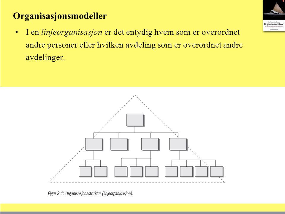 I en linje- og stabsorganisasjon har organisasjonen en eller flere staber.