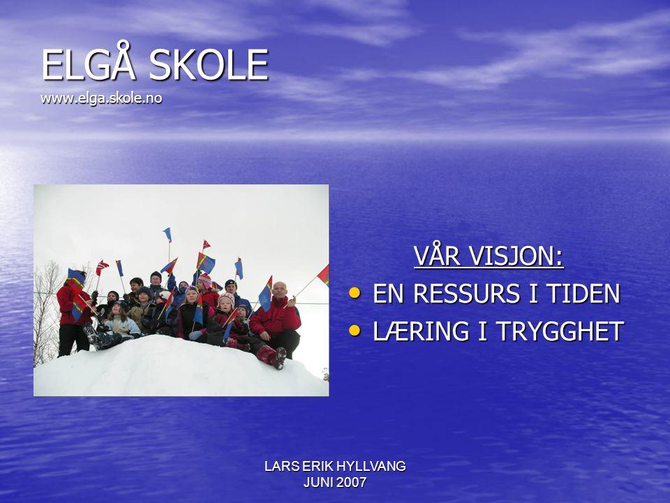 LARS ERIK HYLLVANG JUNI 2007 ELGÅ SKOLE - FAKTA FAKTA I 2007: 18 + 3 ELEVER I SKOLEN 18 + 3 ELEVER I SKOLEN 4 ANDRESPRÅKSELEVER 6 T/U 4 ANDRESPRÅKSELEVER 6 T/U 6 FØRSTESPRÅKSELEVER 27 T/U 6 FØRSTESPRÅKSELEVER 27 T/U 2 ÅRSVERK I SØRSAMISK UNDERVISNING 2 ÅRSVERK I SØRSAMISK UNDERVISNING 2.4 ÅRSVERK I NORSK UNDERVISNING 2.4 ÅRSVERK I NORSK UNDERVISNING 50% ADMINISTRASJON 50% ADMINISTRASJON 50% LÆREMIDDELUTVIKLER 50% LÆREMIDDELUTVIKLER 100% SPRÅKKONSULENT 100% SPRÅKKONSULENT 60% PROSJEKTLEDER 60% PROSJEKTLEDER RESSURSPERSONER, FORELDRE, LOKALSAMFUNN RESSURSPERSONER, FORELDRE, LOKALSAMFUNN