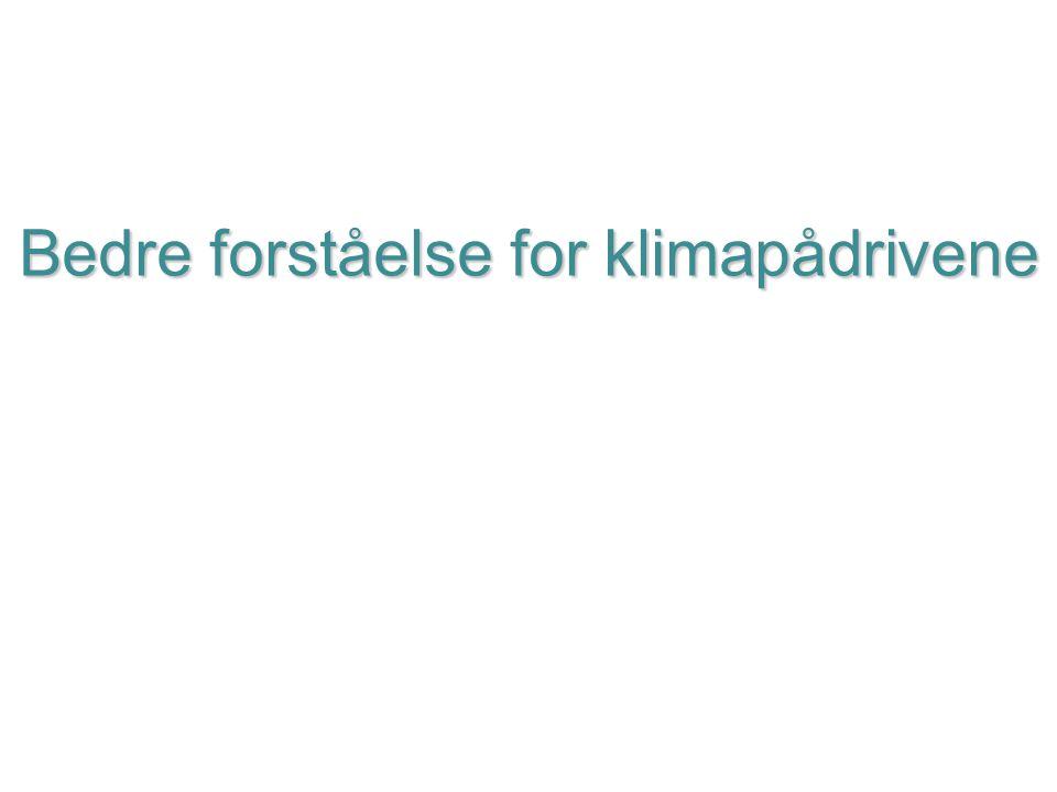 Helge Drange Geofysisk institutt Universitetet i Bergen Togradersmålet Et fornuftig klimamål, men intet magisk med 2 grader Selv to graders oppvarming kan være alvorlig, særlig mhp hetebølger og ekstremnedbør på lavere breddegrader Klimamessig vurdert bør oppvarming over to grader unngås (må da tilbake ca 3 mill år for å finne tilsvarende klima) Ulike utslippsbaner er mulig, men alle krever betydelige utslippskutt i nær framtid og svært begrenset utslipp etter 2050 Utsettelse av utslippsreduserende tiltak må kompenseres med raskt økende utslippskutt fram i tid Øvre grense for CO 2 -utslipp fra i dag til 2100 ligger rundt 325 Gt-C, tilsvarende 35 år med dagens CO 2 -utslipp og null- utslipp etter dette (1 giga-tonn = 10 9 tonn = 1 milliard tonn)