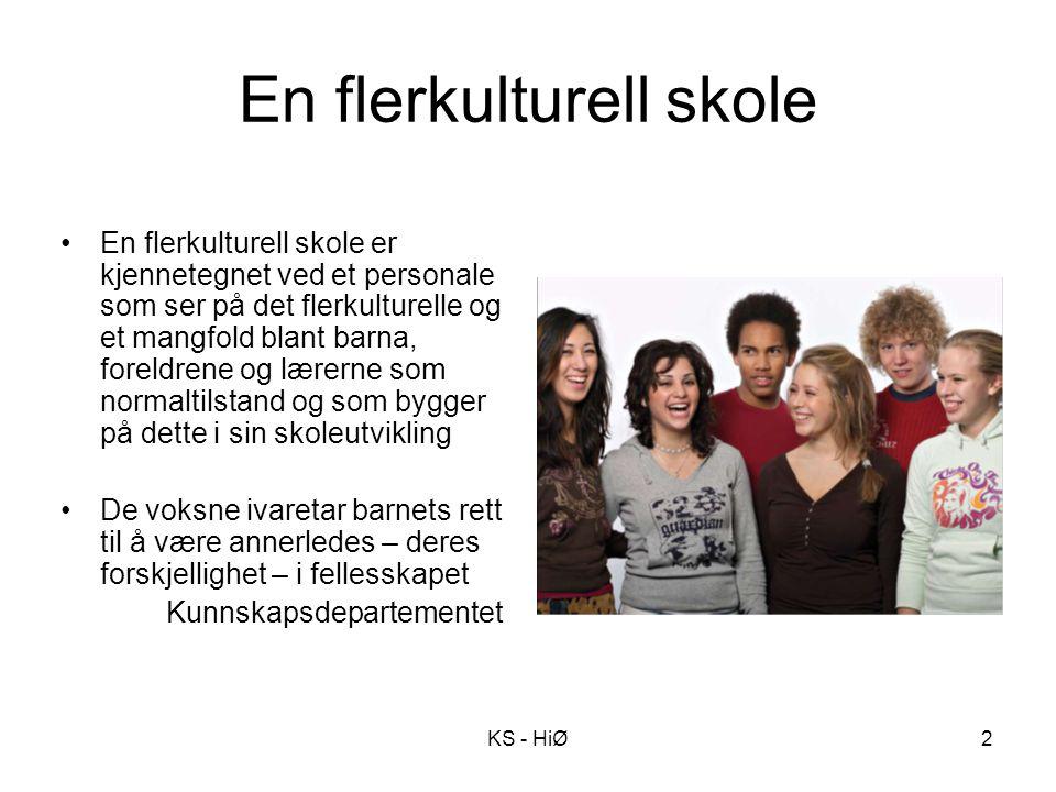 2 En flerkulturell skole En flerkulturell skole er kjennetegnet ved et personale som ser på det flerkulturelle og et mangfold blant barna, foreldrene