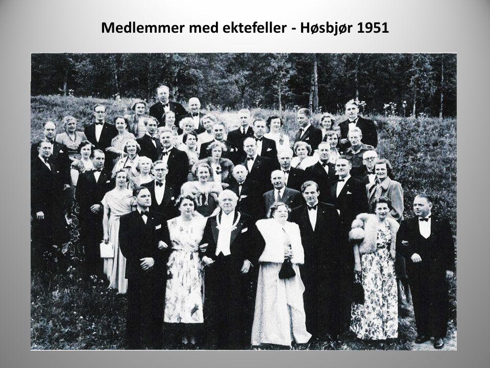 Medlemmer med ektefeller - Høsbjør 1951