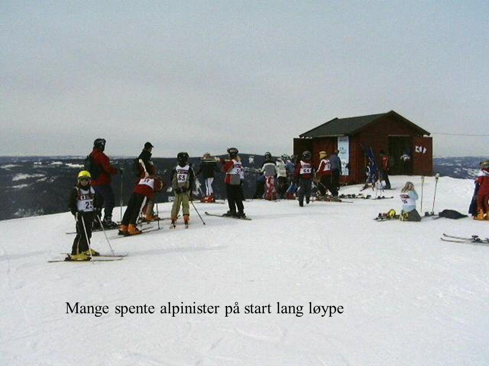 Mange spente alpinister på start lang løype