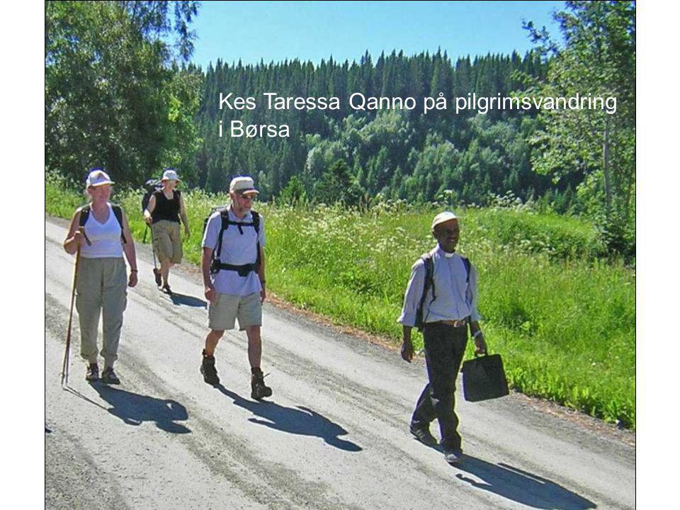 Kes Taressa Qanno på pilgrimsvandring i Børsa