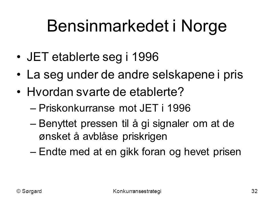 © SørgardKonkurransestrategi32 Bensinmarkedet i Norge JET etablerte seg i 1996 La seg under de andre selskapene i pris Hvordan svarte de etablerte? –P