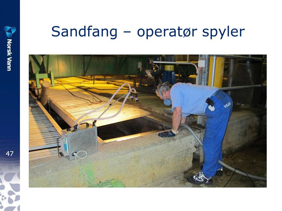 47 Sandfang – operatør spyler