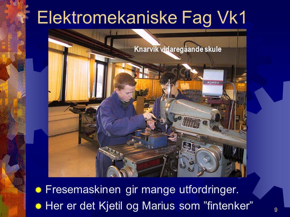 8 Elektromekaniske Fag Vk1 CCamilla studerer og tegner koblingskjema til automatiske trykkluftstyringer. Knarvik vidaregåande skule