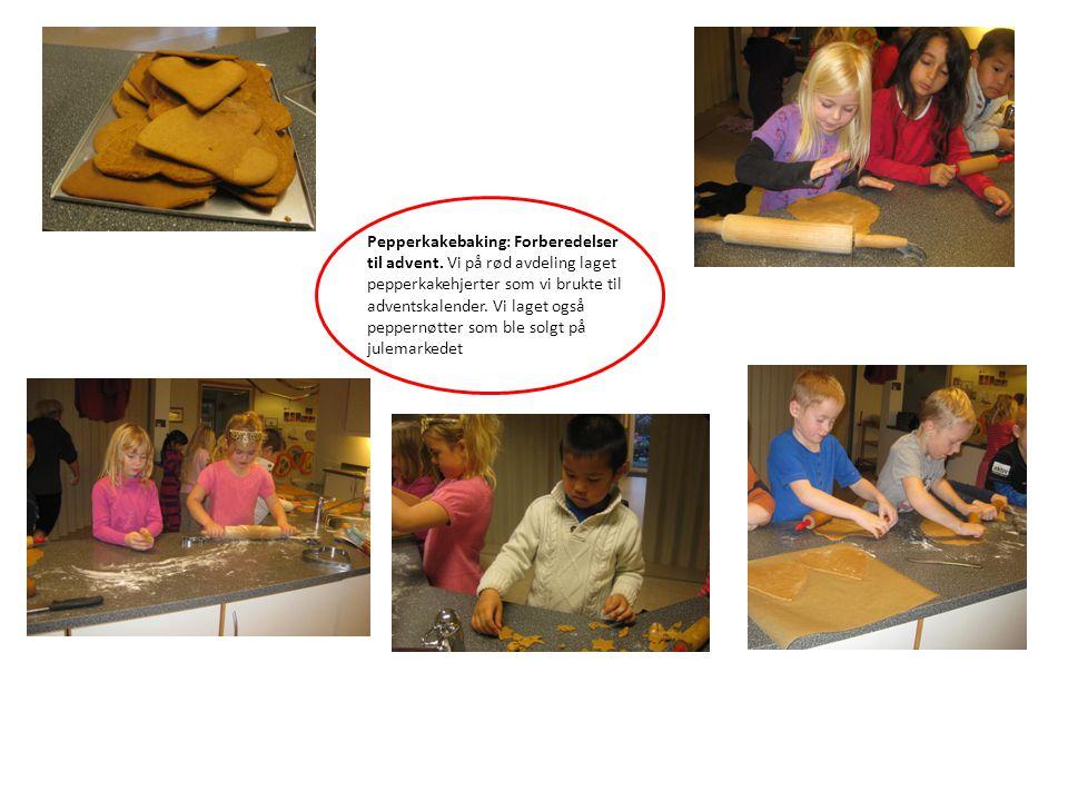 Pepperkakebaking: Forberedelser til advent. Vi på rød avdeling laget pepperkakehjerter som vi brukte til adventskalender. Vi laget også peppernøtter s