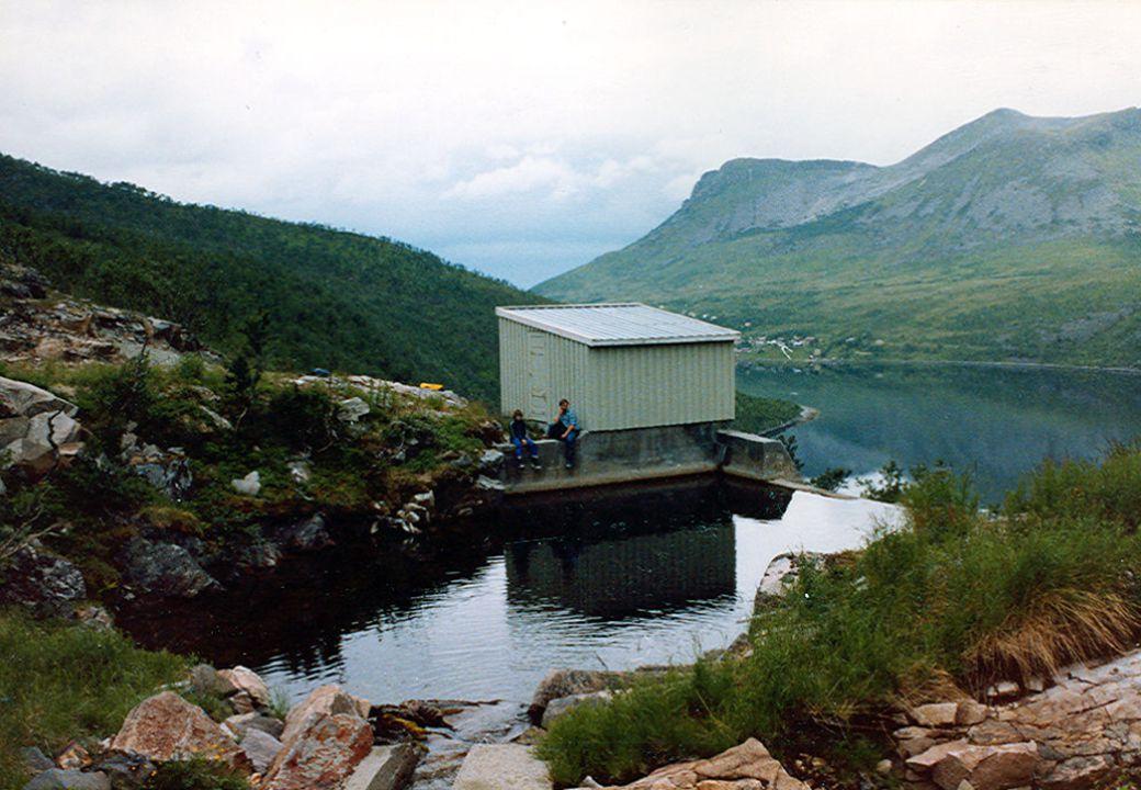 Trygt vann - utvikling 1987: –befolkningsundersøkelse ga følgende resultat: 100.000-300.000 dager med sykdom forårsaket av drikkevann 1995: –370.000 personer får udesinfisert overflatevann 2002: –63.000 personer får udesinfisert overflatevann (235 vannverk) –flest i Hordaland, Troms, Nordland og Møre og Romsdal