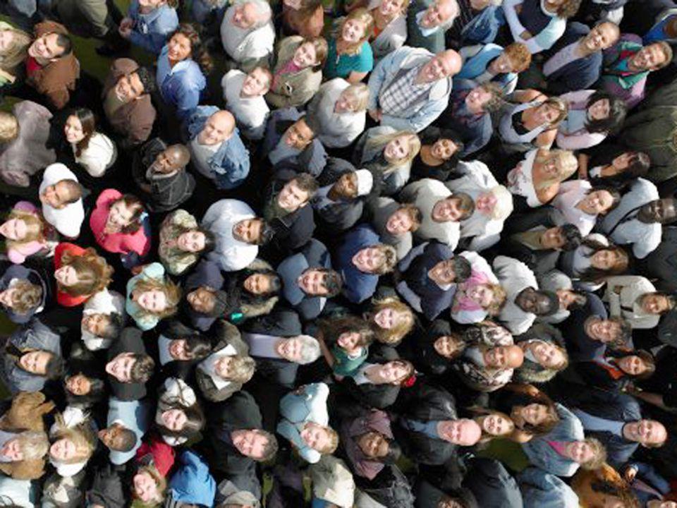 15 Obligatorisk tjenestepensjon  Ønsket av partene i arbeidslivet  Vedtatt gjennom pensjonsforliket (H, Krf, Sp, DNA, og V) mai 2005  Utformet av Banklovkommisjonen  Lov vedtatt i desember 2005  Innføres i løpet av dette året - innbetaling før 31.12.