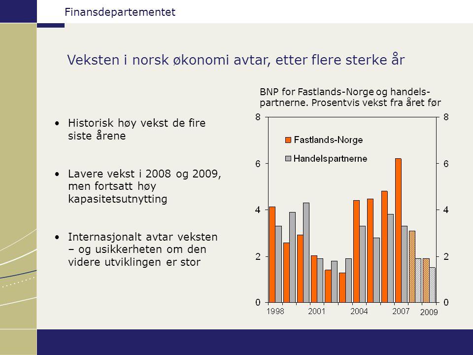 Finansdepartementet Veksten i norsk økonomi avtar, etter flere sterke år BNP for Fastlands-Norge og handels- partnerne.