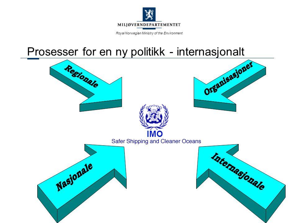 Royal Norwegian Ministry of the Environment Mulighetene i ulike organer IMO - Utarbeider regler, koder og resolusjoner Norske interesser skal primært søkes løst gjennom IMO Norske regler baserer seg på IMO regler Flaggstatenes oppfølging varierer Nordsjøsamarbeidet Politiske deklarasjoner Krever internasjonal og nasjonal oppfølging EU Koordinerer synspunkter Tiltar seg en rolle på virkemiddelsiden (direktiver, suppl.) PMOU Samarbeid mellom 18 land om havnestatskontroll