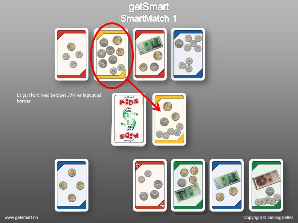 Et gult kort med beløpet 57kr er lagt ut på bordet.
