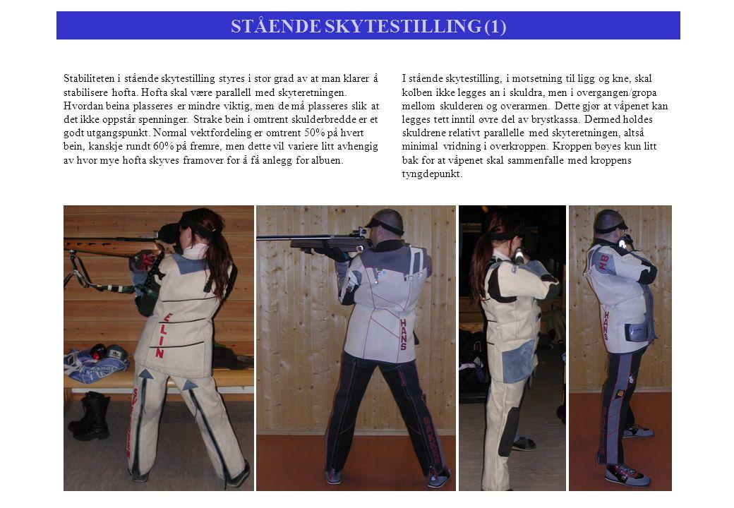 STÅENDE SKYTESTILLING (1) Stabiliteten i stående skytestilling styres i stor grad av at man klarer å stabilisere hofta. Hofta skal være parallell med