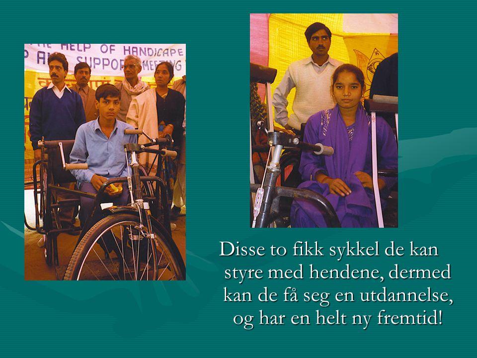 Disse to fikk sykkel de kan styre med hendene, dermed kan de få seg en utdannelse, og har en helt ny fremtid!