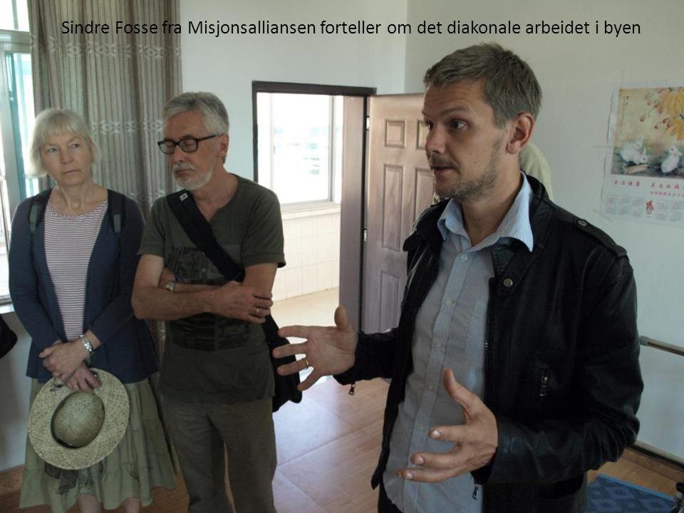 Sindre Fosse fra Misjonsalliansen forteller om det diakonale arbeidet i byen
