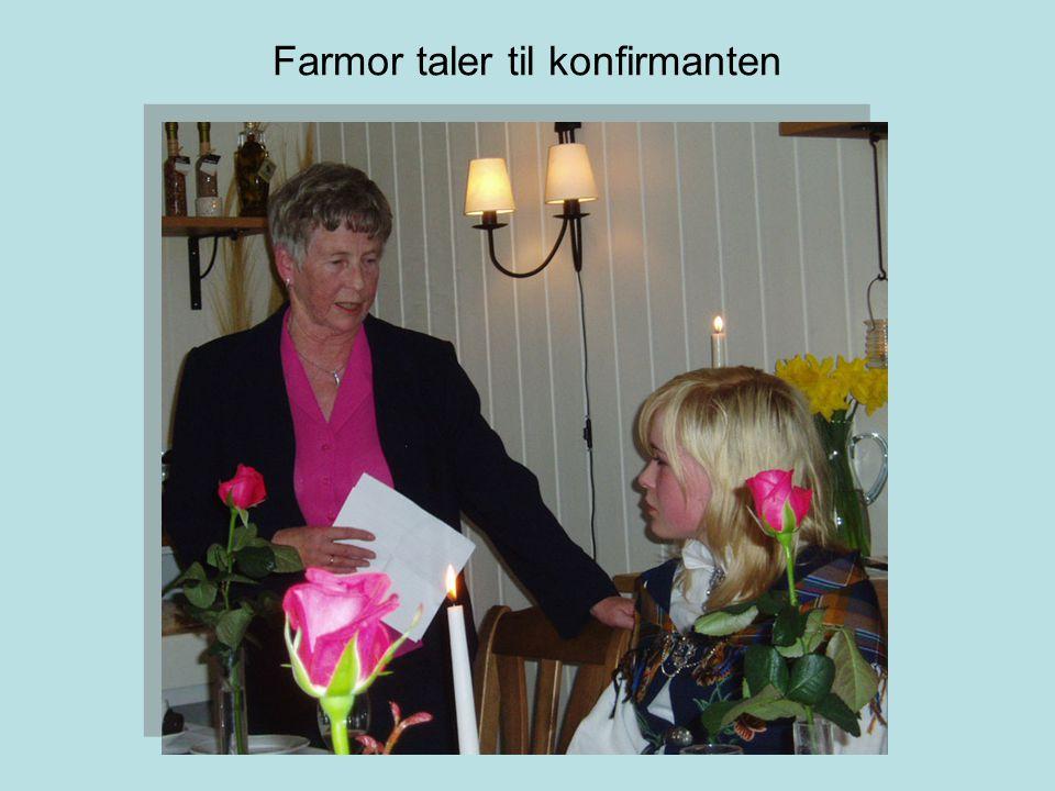 Farmor taler til konfirmanten