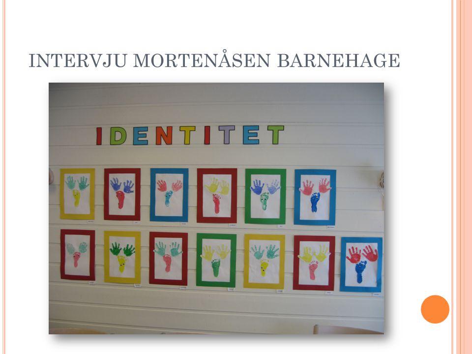 I DENTITET Barnehagens oppdragelse har som mål at barn skal utvikle selvstendighet og trygghet på seg selv som individ og egen personlige og kulturelle identitet (R06, s 28) Identitetsbekreftelse Minoritetsgrupper – tre kategorier- identitetsutvikling Jeg er meg og jeg kan dette
